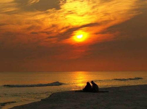 playa amantes  imágenes románticas de playa